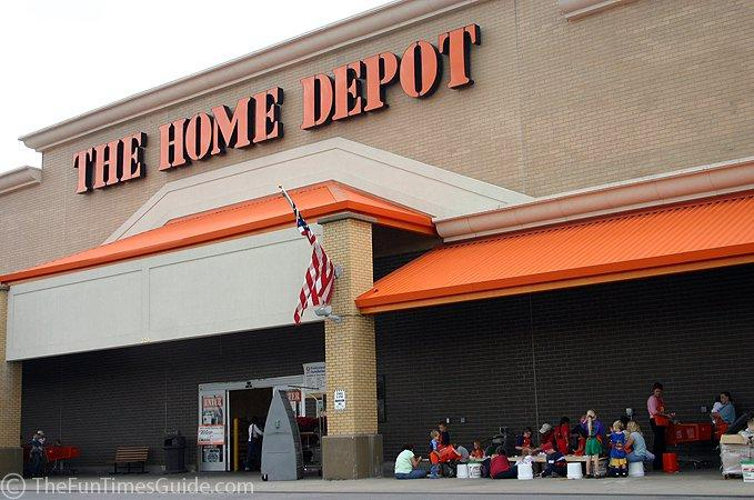 058e8b347a3 Home Depot Inc.(NYSE HD)  Is Home Depot (HD) Is a Better Retail ...